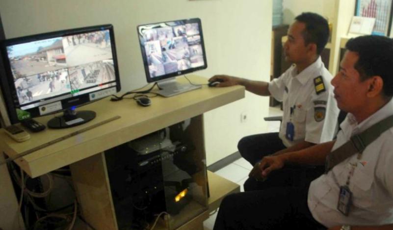 Puluhan Kamera CCTV 'Tongkrongin' Kota Jambi - CCTV